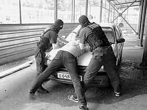 Организованная преступная группировка братьев Ларионовых
