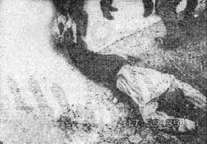 Труп Александра Солоника,убитого в Греции в 1997 г