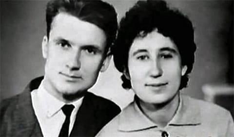 Андрей Чикатило с женой Фаиной Одначевой