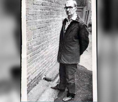 Андрей Чикатило в тюрьме на прогулке (фото)