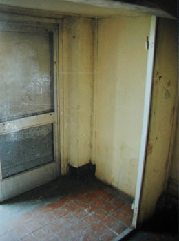 Подъезд дома № 14 по улице Куйбышева, где была обнаружена радиоуправляемая мина