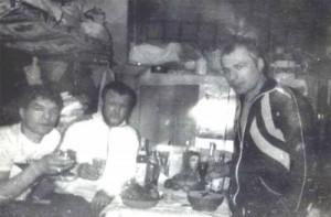 Воры в законе Темури Габуния (Тимур Ванский), Вячеслав Иваньков (Япончик) и Сергей Бойцов (Боец), в тулунской тюрьме (Фото)
