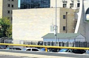 Тюрьма для воров. Круглое здание с очень толстыми стенами надежно спрятано за корпусами МВД. Фото: А. Искрицкая