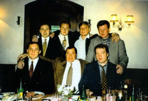 Низ слева: Авера Саша (младший), Михась, Скоч Андрей (кличка Скотч, ныне депутат Госдумы)
