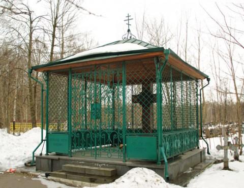 Могила криминального авторитета Юрия Зорина