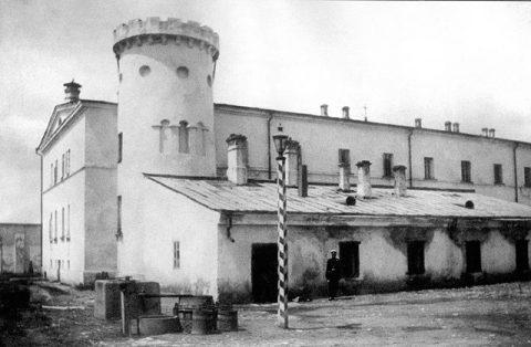 Бутырский тюремный за́мок с Пугачевской башней, фото 1880-х гг.