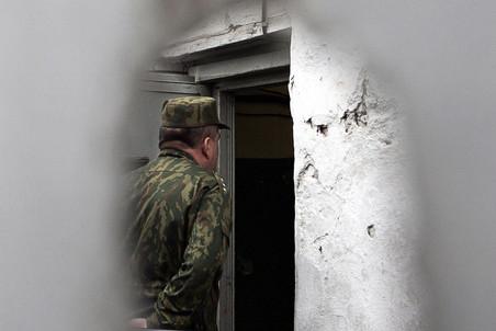 Пятеро зеков вскрыли вены, еще 125 объявили голодовку