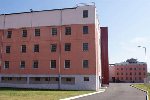 В Грузии еще остались две тюрьмы старого, советского образца. В течение двух лет их снесут и построят новые