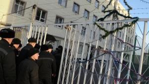 Спецназ введен в колонию Санкт-Петербурга