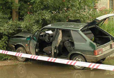 Автомобиль с Христианом Михновым (Крест) неизвестные изрешетили 30 июня 2004