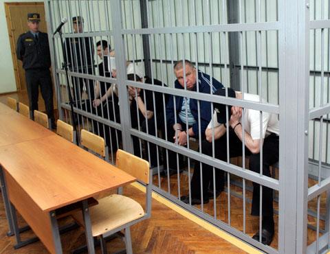 Вор в законе Коля Солдат на суде со своими подельниками