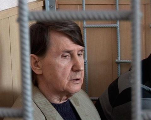 Вор в законе Эдик Красный в очередной раз на скамье подсудимых (2009 год)