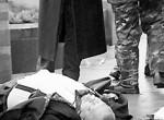 Преступников из России массово возвращают на родину в наручниках