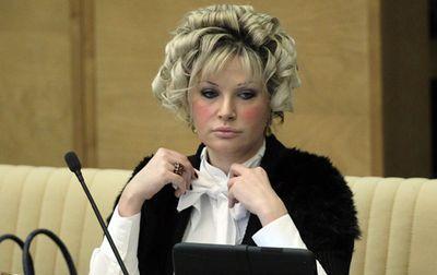 Мария Максакова-Игенбергс, депутат Госдумы, вмешивается в ход расследования по делу брата