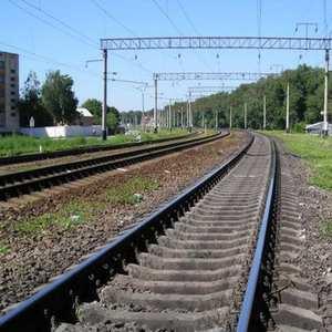 В Иркутской области задержали мужчину, который избил знакомого и положил его под рельсы поезда