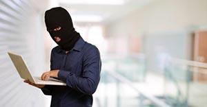 Власти Нидерландов высылают в США россиянина, подозреваемого в хакерских атаках