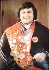 Чемпиона по штанге Султана Рахманова Матрос привлекал для выбивания долгов