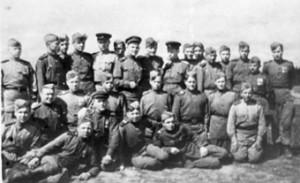 Черкас прошел войну и сохранил связь со многими фронтовиками