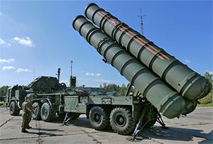 На российскую авиабазу в Сирии доставят ЗРС С-400
