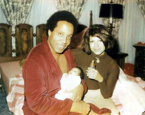 Фрэнк Лукас с женой и ребенком - 1972 год