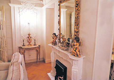 Квартира Васильевой, где она провела половину срока можно назвать музеем роскоши