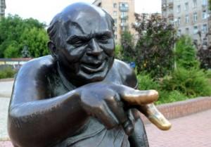 В российской столице похитили памятник Евгению Леонову (Доценту)
