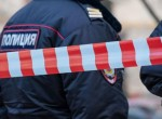 В селе Дубна мужчина с огнестрельным оружием закрылся в квартире с заложницей