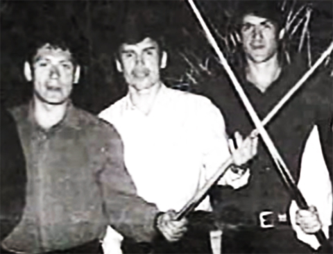 Слева: Олег Нелюбин, Виталий Игнатов, Канаходич (Фашист)