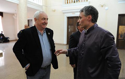 Поседевший и ставший дедом Александр Морозов отправился к тренеру Петру Галкину