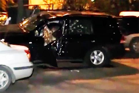 Расстрелянный автомобиль Бегларяна