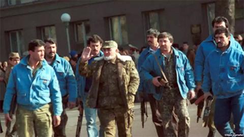 Бобо Сангак среди народного фронта