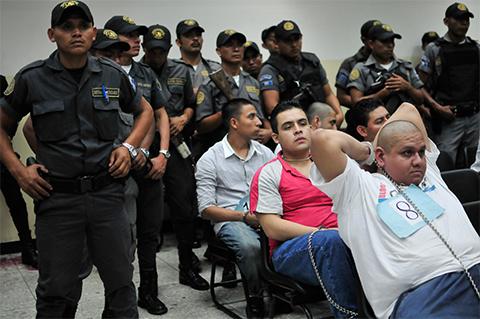 Участники Лос Зетас в суде