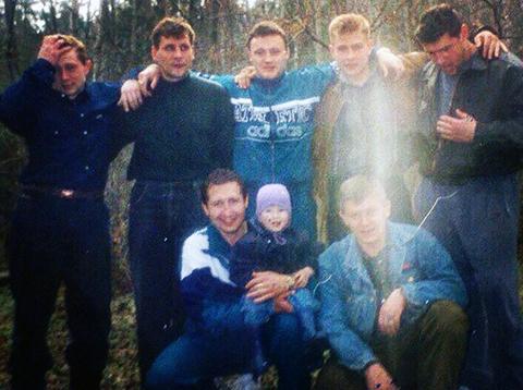 Фото изъято 20.01.1999г. на квартире убитого Вячеслава Аксёнова - активного члена крутовской ОПГ