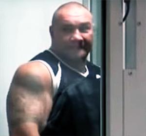 Участник банды Михайлова на суде