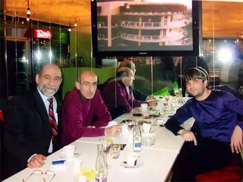 Справа воры в законе: Гилани Алиев (Гилани Седой) и Тимур Мирзоев (Тимур Свердловский)