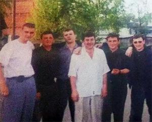 Четвертый слева: вор в законе Мамука Мадебадзе