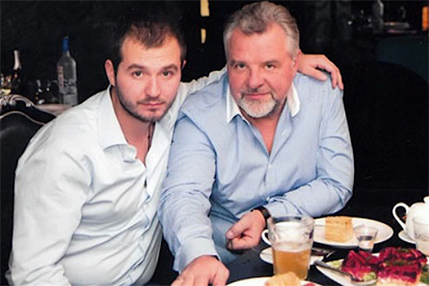 Слева: Иван Назаров и зампрокурора Московской области Игнатенко