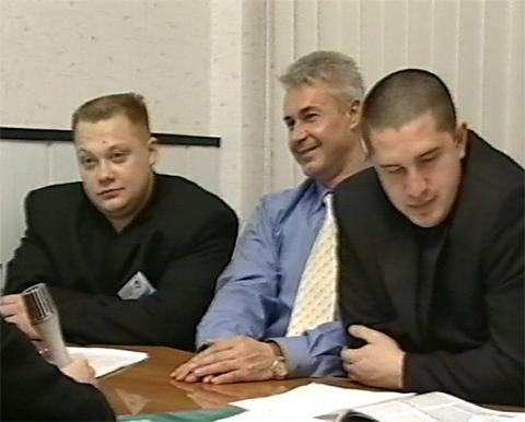 Кадр из промо-фильма «В единстве наша сила» (2000 год). Соратники Ткаченко рассказывают об окружном партсъезде