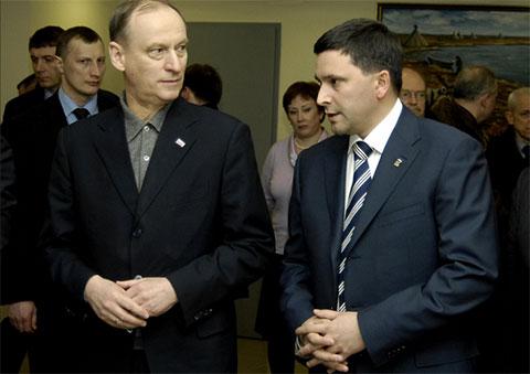Слева: Николай Патрушев и Дмитрий Кобылкин
