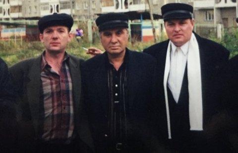 Слева воры в законе: Олег Сухочев (Сухач), 3) Ушанги Джанкарашвили (Гиви), 4) Александр Громоздин (Гром)