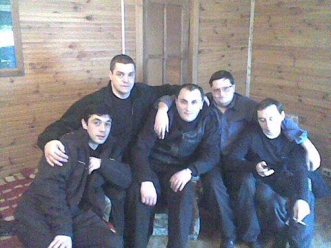 Слева воры в законе: 1) Джавид Мамедов (Дато Агджабединский), 3) Лаша Джеладзе (Рача), 4) Автандил Кобешавидзе (Авто Копала)