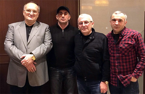 Слева воры в законе: Давид Чхиквишвили (Дато Сургутский), Ровшан Джаниев (Ровшан Ленкоранский), Зураб Шамугия (Аду Зугдидский) и Тенгиз Хоперия (Чинка), 2014 год, Турция
