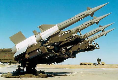 Подобный зенитно-ракетный комплекс S-125 класса «земля — воздух» приобрела компания S-Profit у международного аэропорта Мэркулешть
