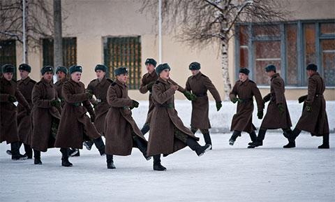 Военнослужащие одеты в обычный «камуфляж»