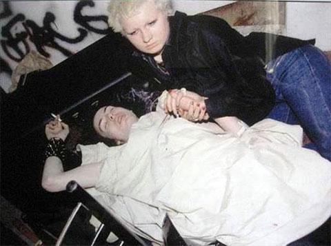 Смерть Сида Вишеса в собственной постеле