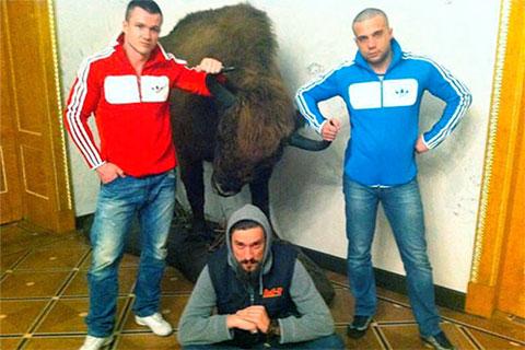 Дмитрий Смилянец (справа) вместе с Сергеем Матвиенко (в центре), 10 мая 2012 года