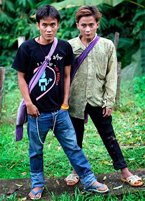Джонни и Лютер Хту в Таиланде. 26 сентября 2003 года.