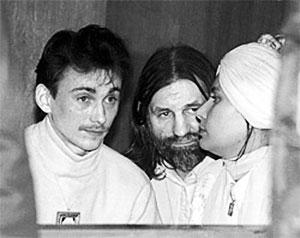 На суде. Слева: Виталий Ковальчук, Юрий Кривоногов и Мария Цвигун