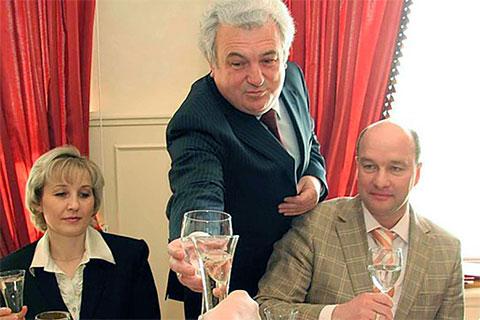 Александр Гладышев (в центре) и Сергей Вялков (справа)