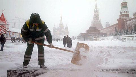 Снегопад столетия в Москве